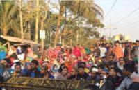 রুম্মানের লাশ নিয়ে বিক্ষোভ এলাকাবাসীর, বরিশাল-কুয়াকাটা মহাসড়ক অবরোধ