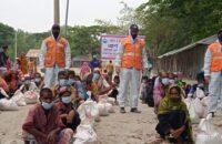 চরফ্যাশনে কোস্টগার্ড ও বিদ্যানন্দ ফাউন্ডেশন এর সহযোগিতায় ১০০ পরিবারে কে খাদ্য সহায়তা প্রদান