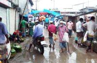 তালতলীতে লকডাউন উপেক্ষা করে হাট বাজার