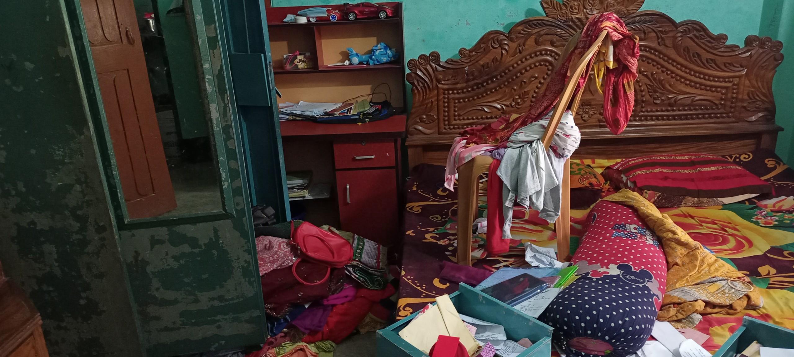 বরিশালে দিন-দুপুরে ঘরের তালা ভেঙ্গে চুরি